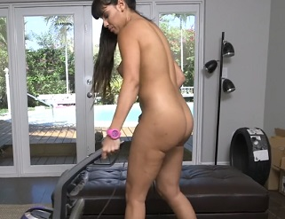 LATINA RAMPAGE-CUTE LATINA MERCEDES CARRERA IS TRYING TO CLEANUP BUT HER BOYFRIEND WANTS HER TO CLEAN HIS PIPES INSTEAD